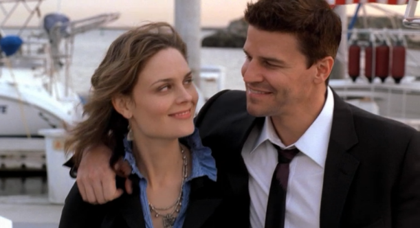 End scene Boneless Bride - Booth's arm around Brennan
